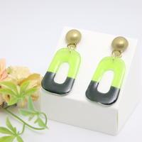 和紙のイヤリング/ピアス*長方形*メタルボタン*深緑×黄緑