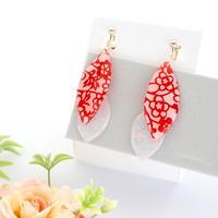 美濃和紙のイヤリング/ピアス*リーフ*赤花柄×白