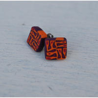 四角ピアス orange purple