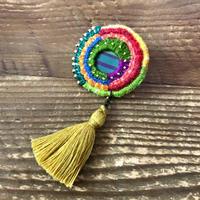 刺繍とクレイの片耳タッセルピアス 丸