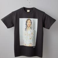 【長坂真護】Tシャツ「無精卵を被る女」(オーガニックコットン)