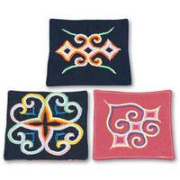 刺繍のコースター3枚セット 紺・桃色