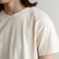 used plain stitches/neck reversible tshirt/ecru