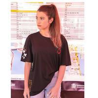ユニセックス黒/白ポイント花柄&ロゴ半袖Tシャツトップス