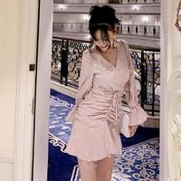 ピンク/白ウエスト立体シャドードット柄Vネックドレス