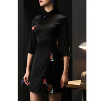 パーティーコーデ/フォークロア花柄刺繍ハイネック黒ドレス