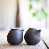 馬場勝文 / すずふた醤油さし-卵 - 黒釉