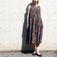< 再入荷 > Tailor The Dress / フラワープリント ノースリワンピース - BLACK