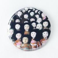 【怪談社】人形バッジ1 BO04