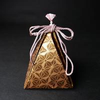 SUI メモリアルボックス 新しい形の 西陣織 の 仕覆 利休茶地 麻の葉紋様