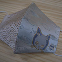 Lサイズ! 西陣織 金襴 絹織物 マスク nya! cat にっこりちゃん 水色 と水紋揺らぎ紋様のコンビ