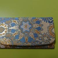 西陣織 雪輪紋様 名刺入れ 金襴を身近に 暮らしの中にきらりと光る一品を 白茶地 A