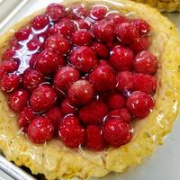 季節のフルーツのせミートケーキ
