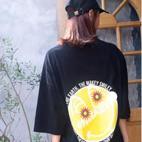 【 Back 】 MAKEY SMILEY [ Yellow ] / Big silhouette T-shirts [ Black ]