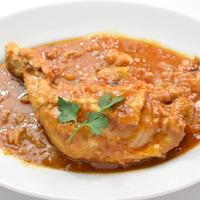骨つき鶏もも肉の辛口カチャトーラ