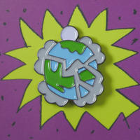 BROKEN WORLD PIN