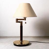 ホテル仕様のベッドサイドランプ  スイングアーム  シェードランプ  2段調光. ユーズド中古品