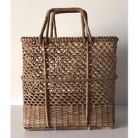 アンティーク カゴバッグ 縦型 大きめ  無傷 完品  編み方に変化があり素敵なかごバッグです。