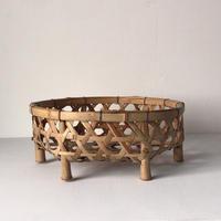 水切り 竹籠  小 足付き洗い物かご 編みカゴ 天然素材 手仕事 工芸品 民藝 クラフト  中古美品