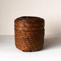竹編の屑籠   素材の強弱が効いた大変手の込んだ編みかごです。日本の工芸品  民藝