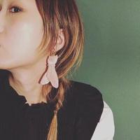 Chelsea chiyoco Fig fly earring羽ばたくイチジク