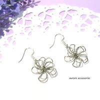 wire flower pierced earrings ワイヤーフラワーのピアス