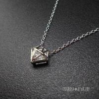 ダイアモンドシェイプのネックレス - silver -