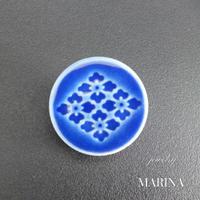 和モダン 陶器のブローチ 菊 BLUE