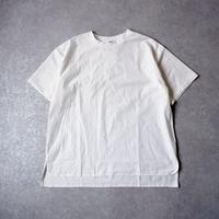 UNIVERSAL TISSU (ユニヴァーサルティシュ)/度詰天竺 タイプライターコンボプルオーバー/white