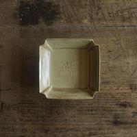 生形由香 黄釉角小鉢