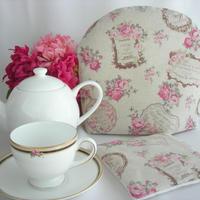 ティーコゼー ちいさなピンクのバラの花 ふわふわもこもこ マシュマロティーコゼー  ハンドメイド