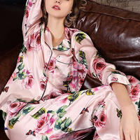(MAYUDAMAシルク)シルク パジャマ シルク100% 絹100% 優雅 ロマンチック ローズ 花模様 長袖 レディース 春・秋 上下 2ピースセット <ピンクローズ>