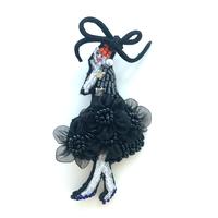 夏のドレスの女の子  | ビーズブローチ