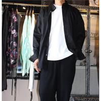 KMRii ・ケムリ・  Cotton  Satin Stand Collar Shirt・黒シャツ・バックストライプ