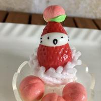 もも盛りの苺ぼうやオブジェ