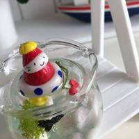 金魚鉢プールの苺ぼうやオブジェ(スイマー2020)