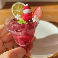 赤ワインサングリアの苺ぼうや|ドリンクオブジェ