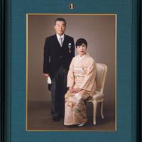 記念写真額(四つ切用)(ヨーロピアンチェリー材・黒群青)