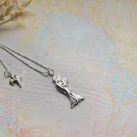 Virgin Mary Pendant Top -子を抱く聖母マリア-