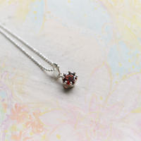 Milk Crown Necklace -Garnet/Cut-