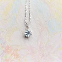 Milk Crown Necklace -Aqamarine/cut -