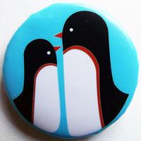 ペンギン親子レッドライン缶バッチ(ピットアニマル)