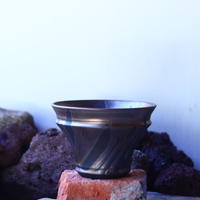 Yuta  Uchida 〝gold  glaze″   /   humanity pot       no.42555