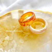 camel/beige marble ring
