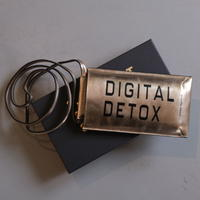 INTOXIC.   phone case champagne