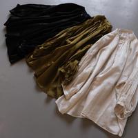 suzuki  takayuki    puff-sleeve blouse     A221-03    khaki