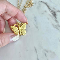 (248)big butterfly medal necklace