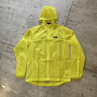 patagonia 『フーディニ ジャケット』(Chartreuse)