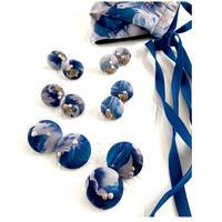 Coquettish  / flower blue
