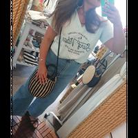Leona(レオナ)/VネックTシャツ